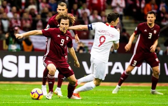 Mūsu izlasi no zaudējuma Polijā neglābj cienījams sniegums