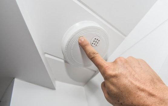 DDzKSU palīdzēs saviem klientiem uzstādīt dūmu detektorus