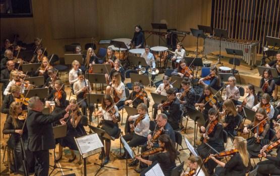 """Simfoniskās mūzikas koncerta """"Simfoniskie rotājumi"""" modelēšanas koncerts"""
